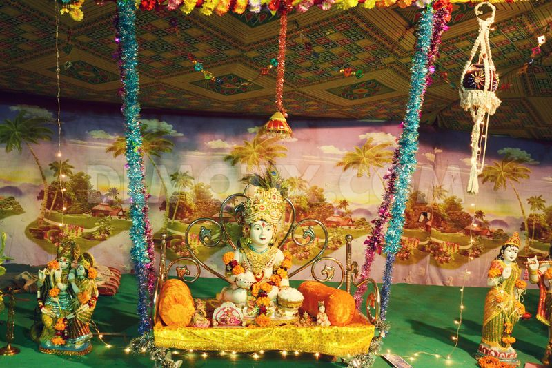 Janmashtami Here Comes The Makhan Chor Unusual Gifts