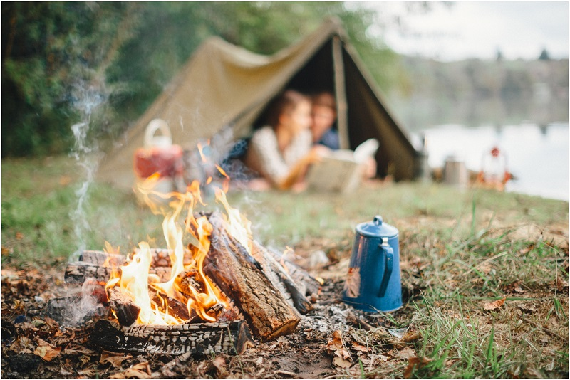 Christmas plan camping-engagement
