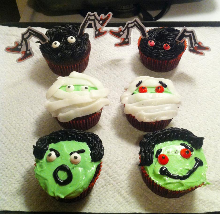 Halloween-themed-cupcakes