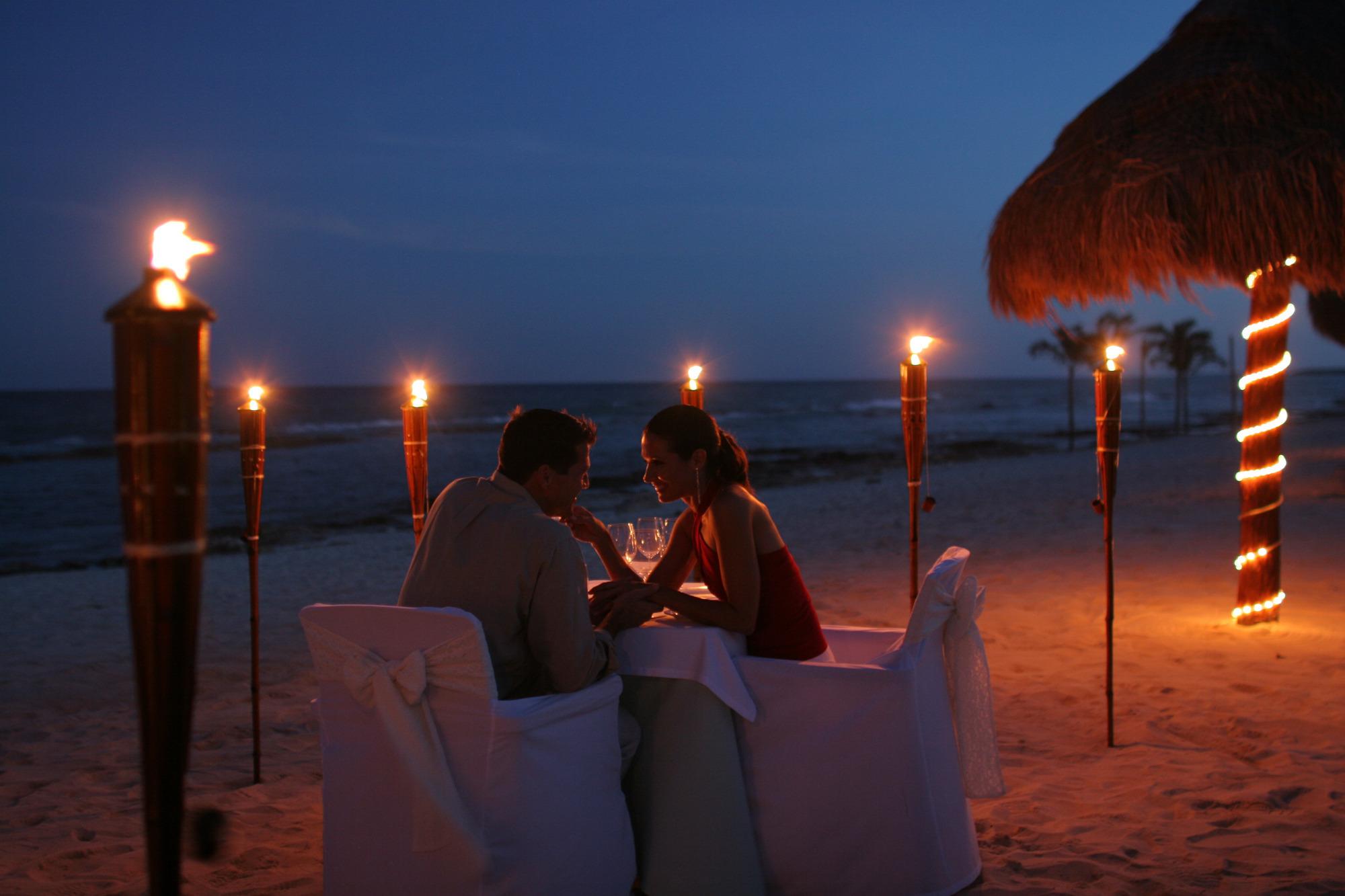Romantic_night - Celebrate Valentines Day