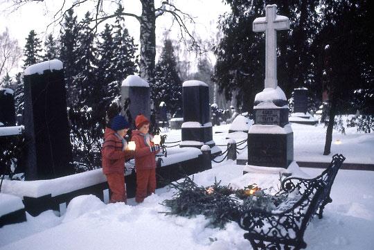 2551-cemetery2_b-jpg