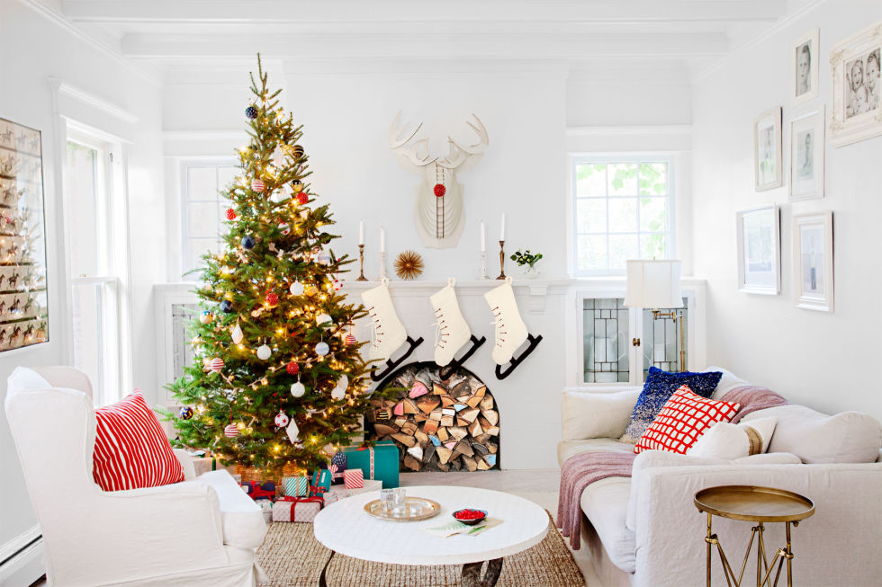 decorate-your-mantel-with-christmas-cards