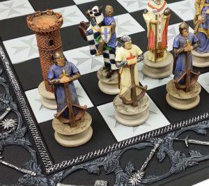 Medieval crusades chess set