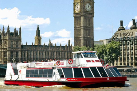 family-thames-cruise-sightseeing-river-red-rover-ticket