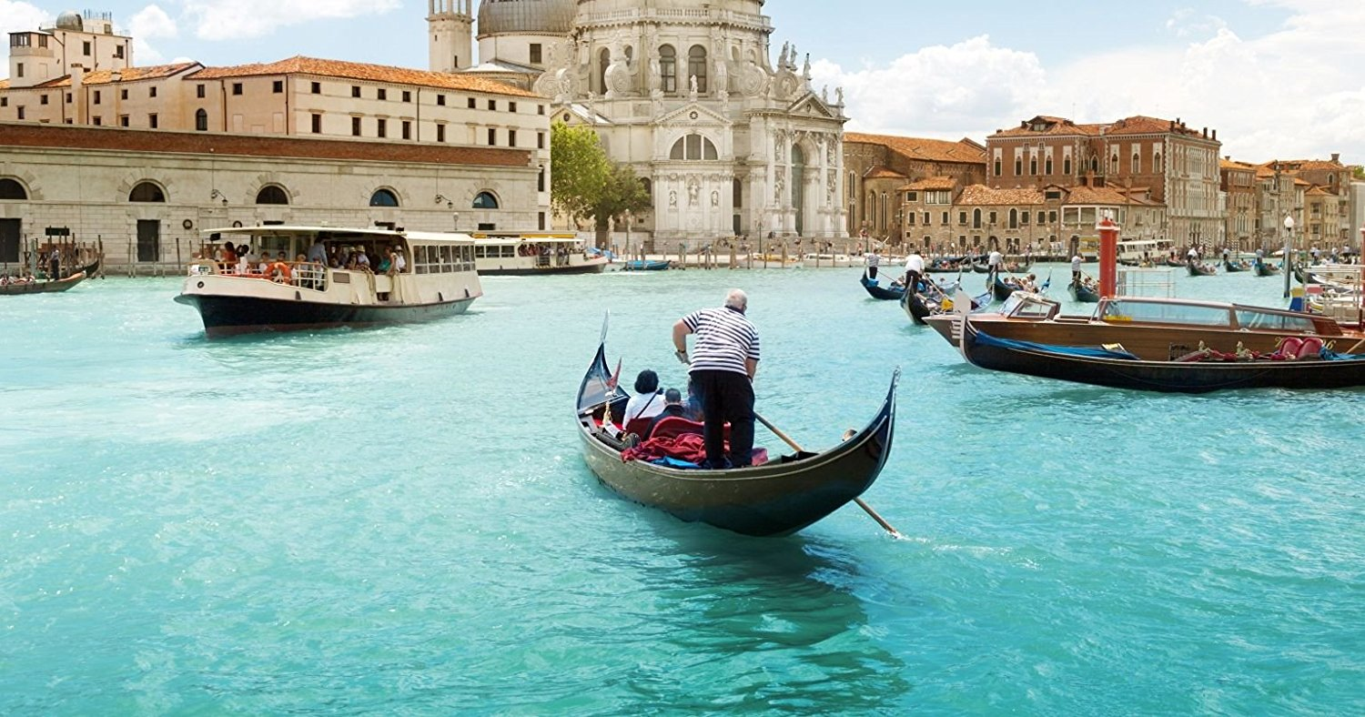 gondola-serenade-in-venice-for-two