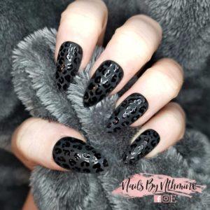 Hand printed fake nails