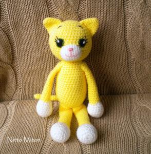 handmade-kitten-toy