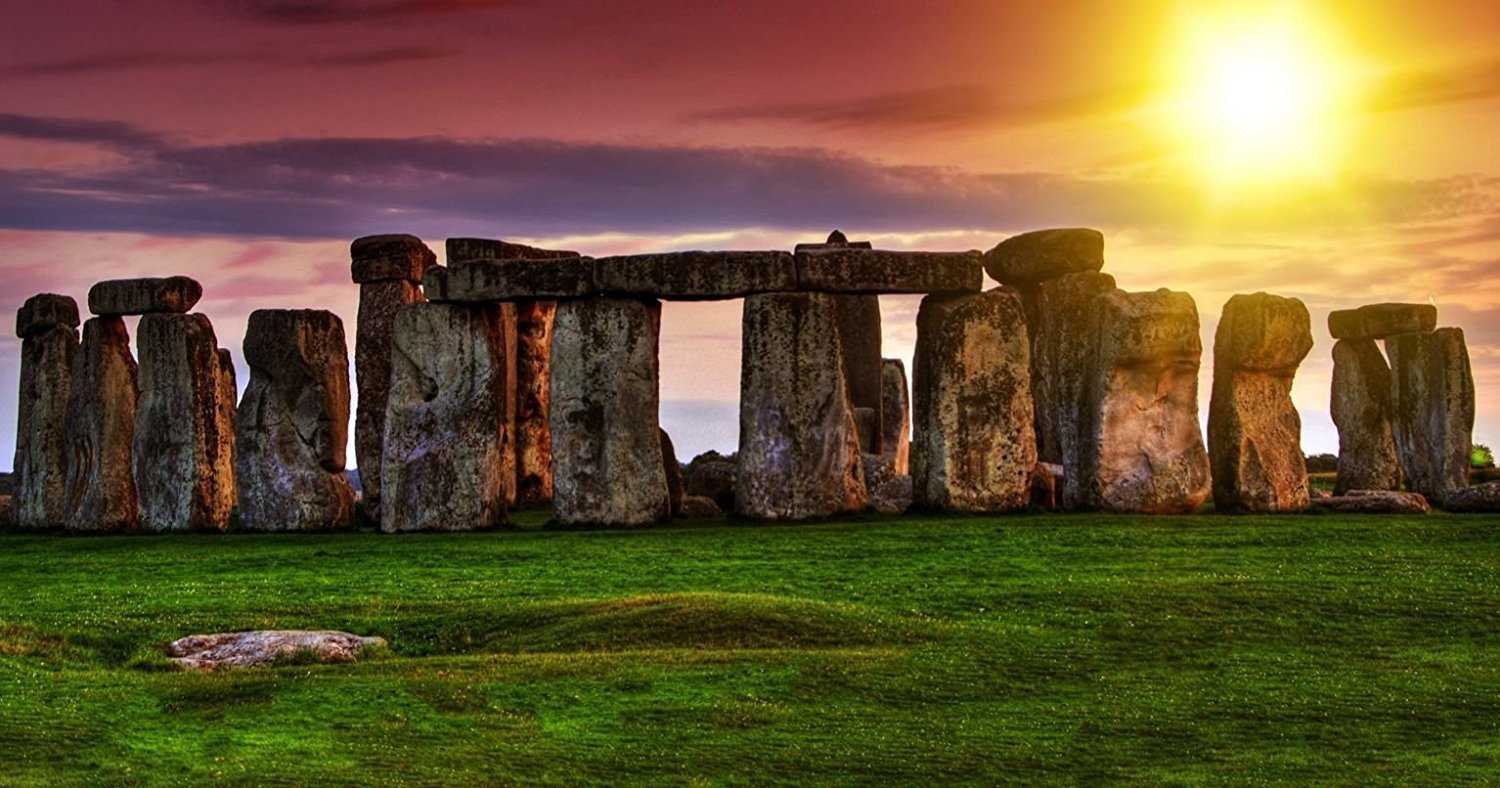 visit-bath-and-discover-the-mysterious-stonehenge-in-the-uk