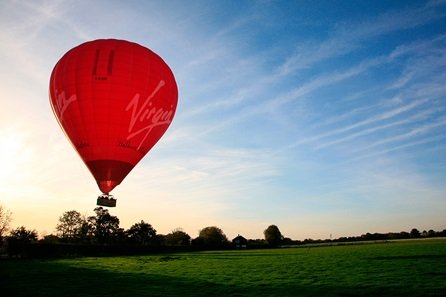 weekday-sunrise-virgin-hot-air-balloon-flight-for-two
