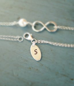 personalised jewellery pieces