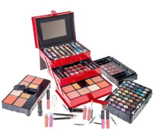 Make up kit - Valentines Day gifts for her