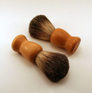 Wooden handle shaving brush