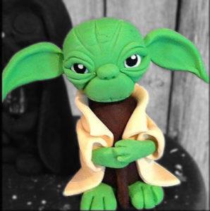 Yoda fondant cake topper