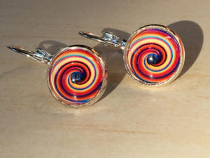 Graphic clip-on earrings