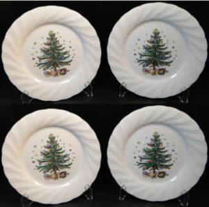 Pretty Christmas tree print dinner set
