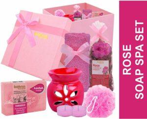 Bodyherbals' Rose Soap Spa Set